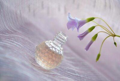 Projektant Calvin Klein stworzył wiele ponadczasowych zapachów